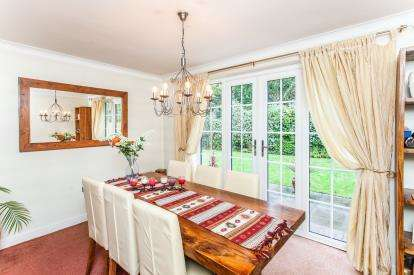 4 Bedrooms Detached House for sale in Fernbank Close, Birchwood, Warrington, Cheshire