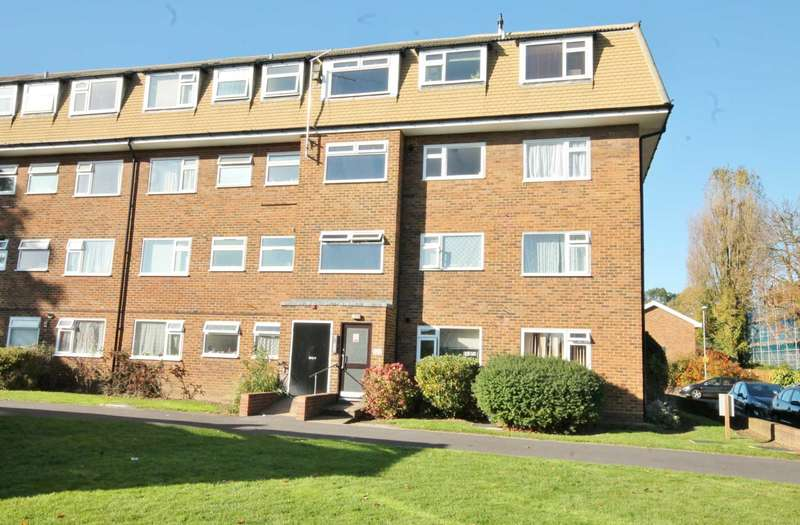 2 Bedrooms Flat for sale in Rodney Close, New Malden