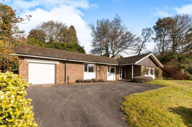 4 Bedrooms Detached House for sale in Hindhead, Surrey, United Kingdom
