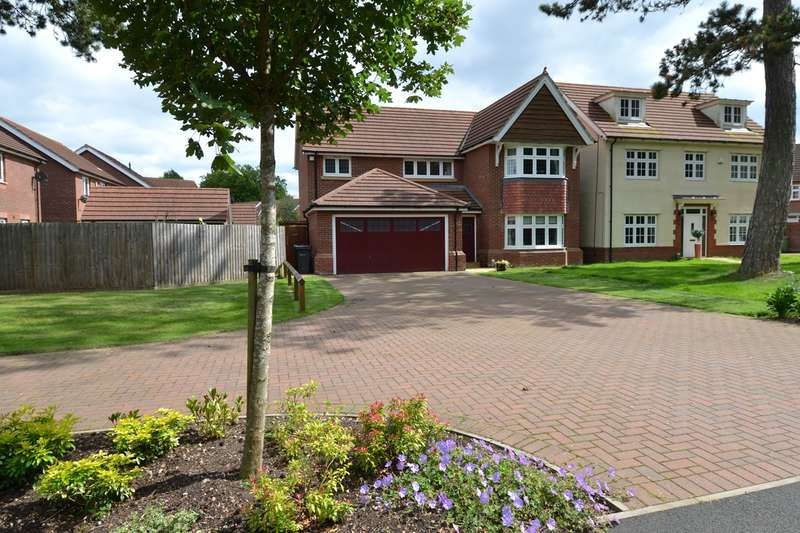 4 Bedrooms Detached House for sale in Barnard Close, Rednal, Birmingham, B45