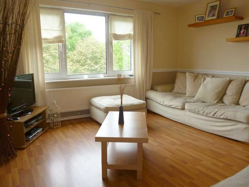 2 Bedrooms Ground Flat for sale in Lynmouth Crescent, Rumney, Cardiff