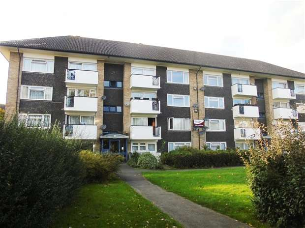 2 Bedrooms Flat for sale in Tolpits Lane, Watford