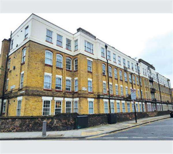 2 Bedrooms Apartment Flat for sale in Sumner House,, Watts Grove,, London