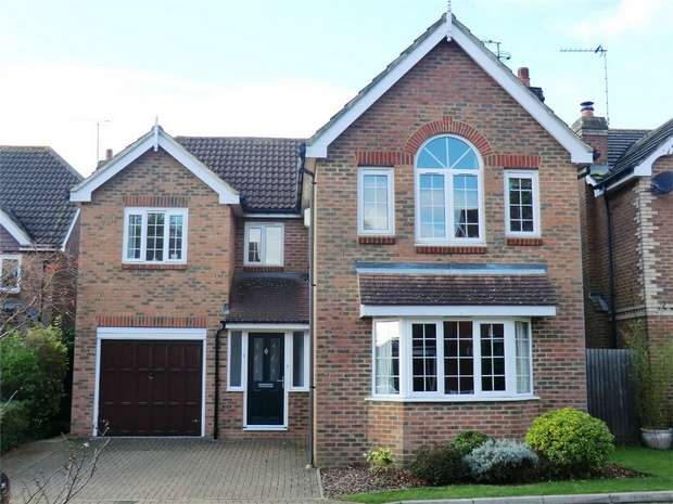 5 Bedrooms Detached House for sale in Nimrod Close, St Albans, Hertfordshire