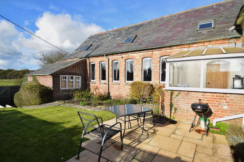 3 Bedrooms Bungalow for sale in East Stoke