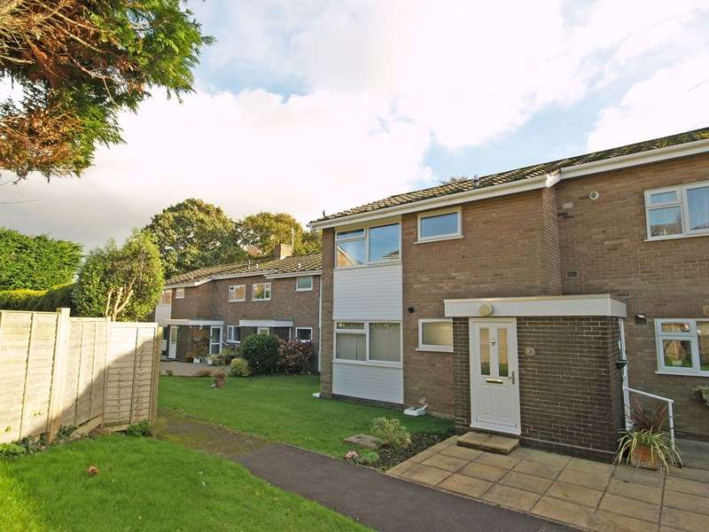 2 Bedrooms Flat for sale in Cornford Way, Highcliffe, Christchurch