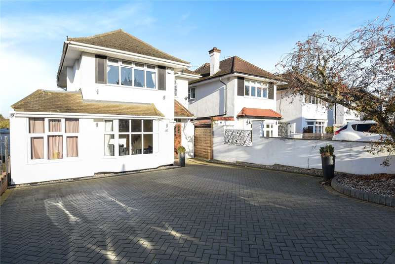 4 Bedrooms Detached House for sale in Raglan Gardens, Watford, Hertfordshire, WD19