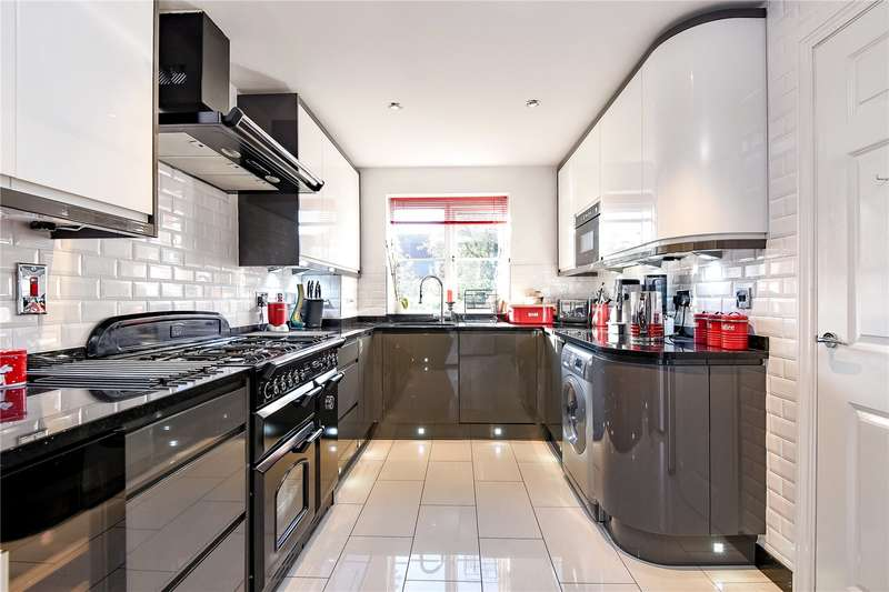 3 Bedrooms Mews House for sale in The Greenway, Uxbridge, Middlesex, UB8