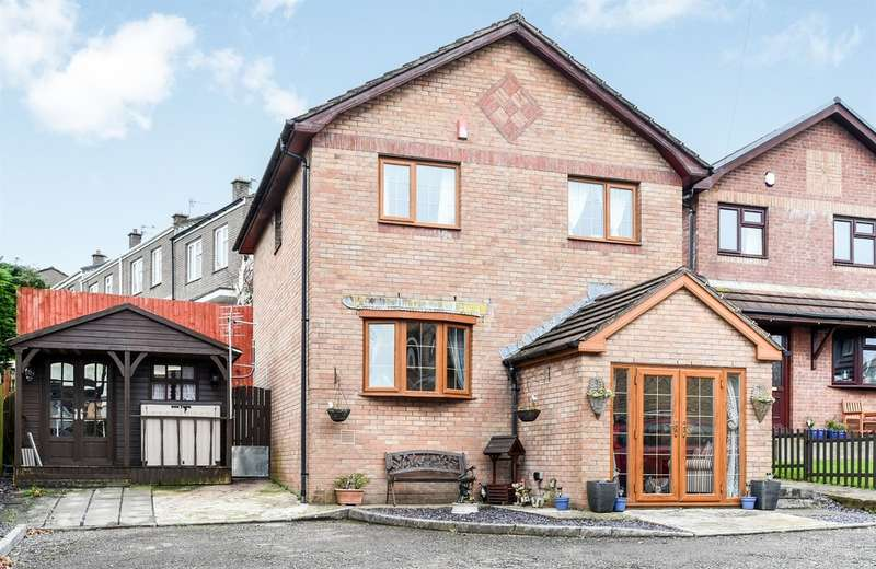 4 Bedrooms Detached House for sale in Mostyn Mews, Brynna, Pontyclun