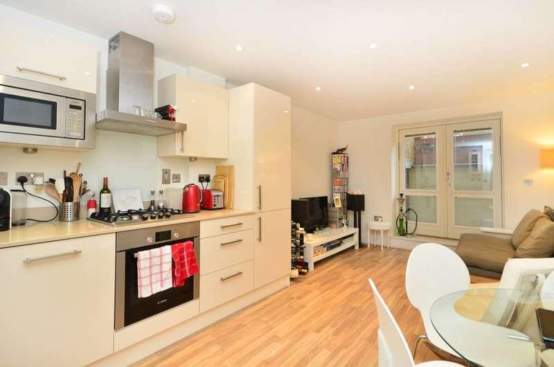 1 Bedroom Flat for sale in Scriven Street, Haggerston, E8