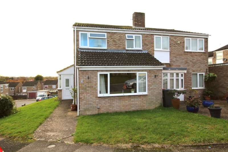 3 Bedrooms Semi Detached House for sale in Ramsay Close, Manton Heights, Bedford, MK41