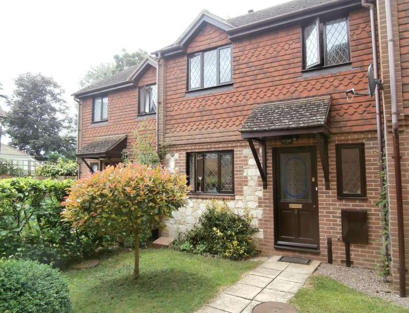 3 Bedrooms Property for rent in Haslewood Close, Smarden, Ashford, TN27