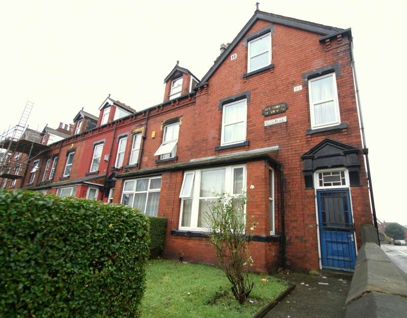 7 Bedrooms Terraced House for rent in Delph Lane, Woodhouse, Leeds