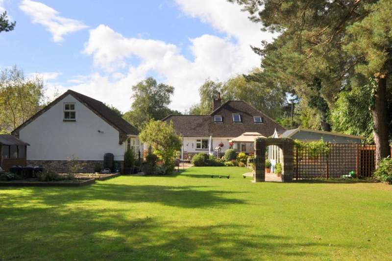 6 Bedrooms Detached Bungalow for sale in Ringwood , BH24 2QD