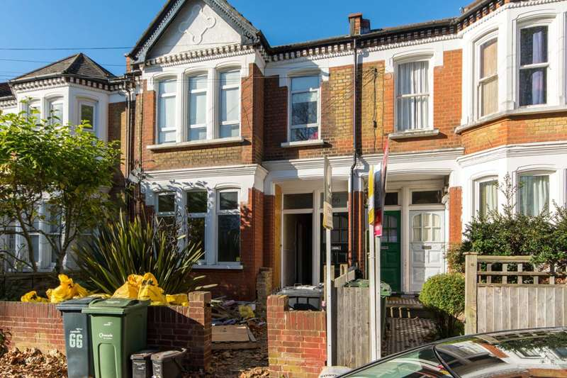 1 Bedroom Flat for sale in Harborough Road, Streatham, SW16