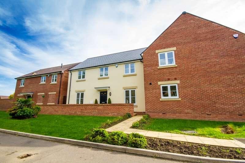 4 Bedrooms Semi Detached House for sale in Green Lane, Trowbridge, Wiltshire, BA14