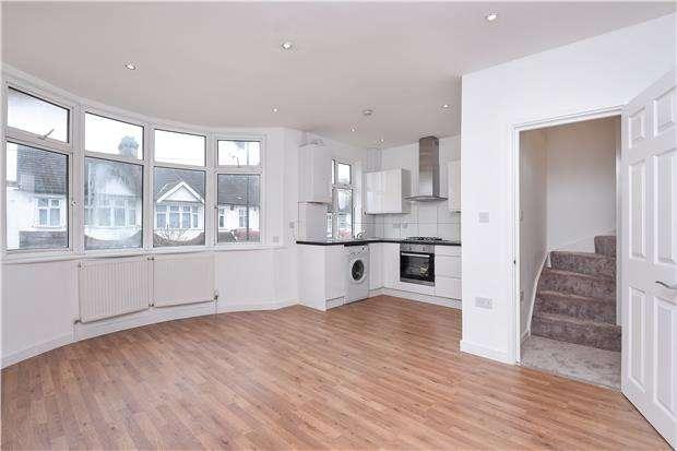 2 Bedrooms Flat for sale in Bishops Park Road, London, SW16