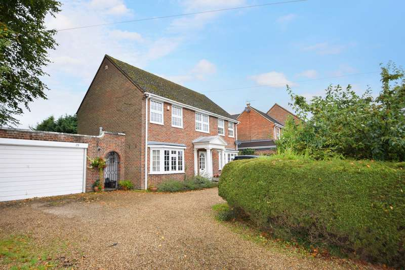 4 Bedrooms Detached House for sale in Green Lane, Burnham, SL1