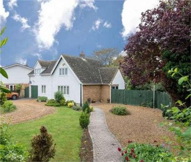 3 Bedrooms Detached House for sale in Manor Close, Spalding, Lincolnshire