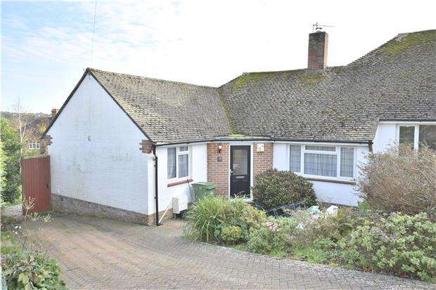 2 Bedrooms Semi Detached Bungalow for rent in Oakwood Close, HASTINGS, East Sussex, TN34