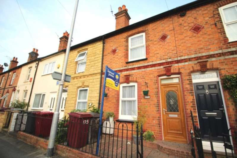 3 Bedrooms Terraced House for sale in Elgar Road, Reading