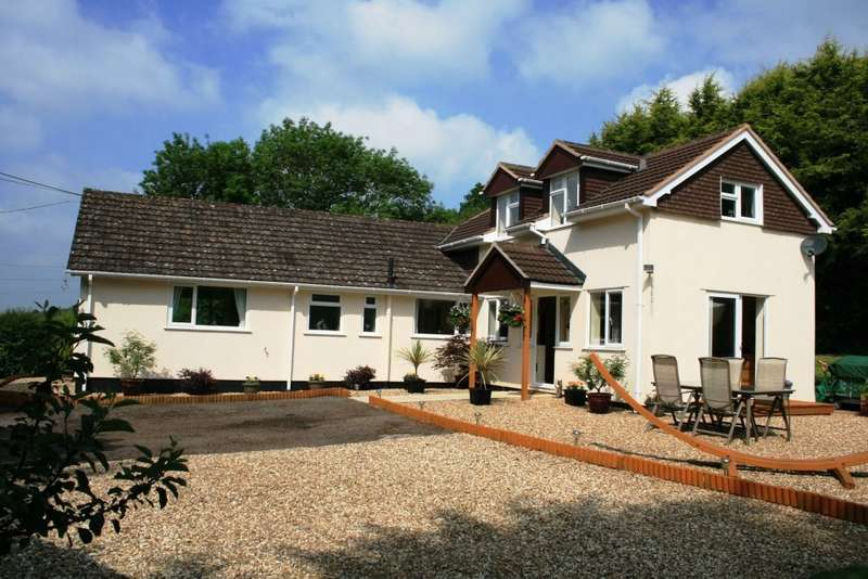 4 Bedrooms Detached House for sale in Whimple