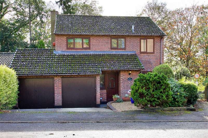 4 Bedrooms Detached House for sale in Views across Whitchurch