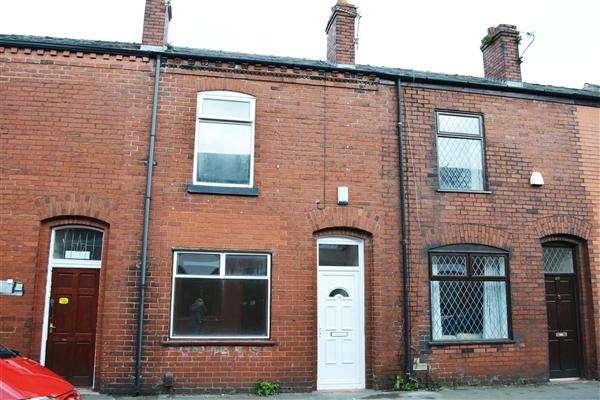 2 Bedrooms Terraced House for sale in Selwyn Street, Leigh