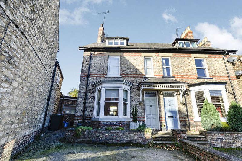5 Bedrooms Semi Detached House for sale in Victoria Road, Malton, YO17