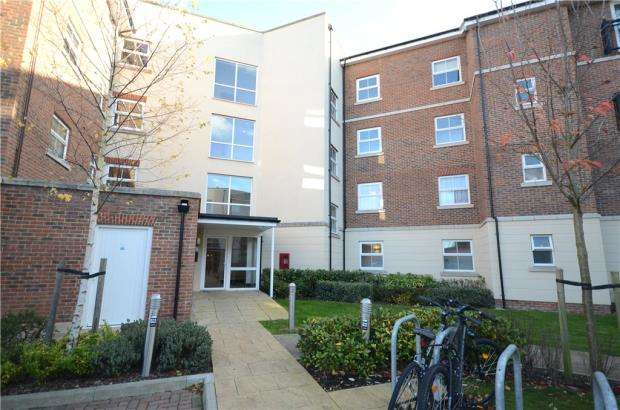 1 Bedroom Apartment Flat for sale in Merrill House, Kenley Place, Farnborough