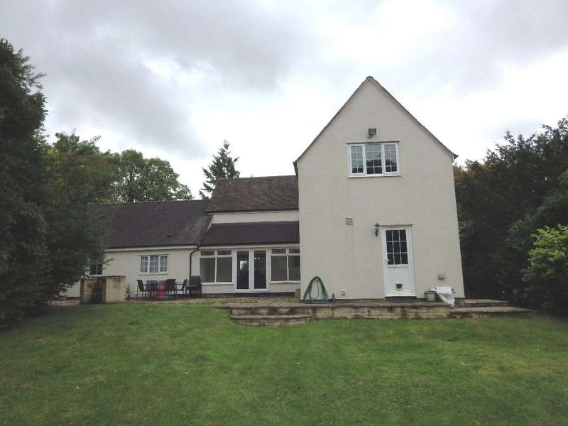7 Bedrooms Detached House for rent in Field House