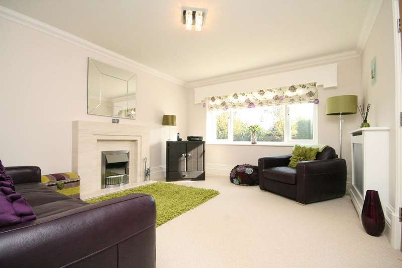 5 Bedrooms Detached House for sale in Church Close, Banks, Southport, PR9 8GR