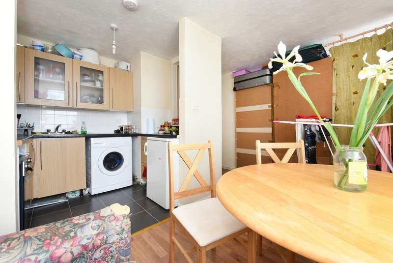 2 Bedrooms Flat for sale in Nelson Road, Hastings, East Sussex, TN34