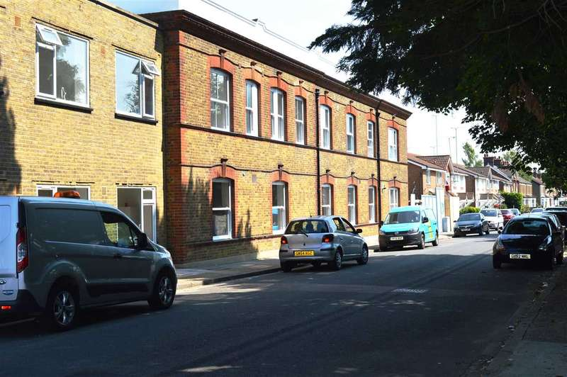 2 Bedrooms Apartment Flat for sale in Mill House, Priory Road North, Dartford