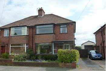 3 Bedrooms Semi Detached House for rent in Beaver Road, Carlisle, CA2 7PS