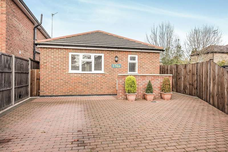 1 Bedroom Detached Bungalow for sale in Staines Road East, Sunbury-On-Thames, TW16