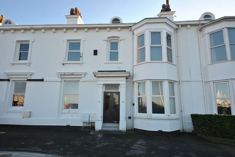 4 Bedrooms Terraced House for sale in Promenade , Southport, Merseyside. PR8 1QU