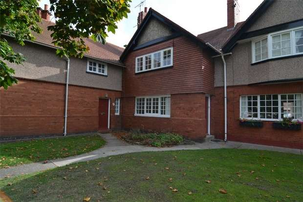 3 Bedrooms Terraced House for rent in Circular Drive, Port Sunlight, Wirral, Merseyside