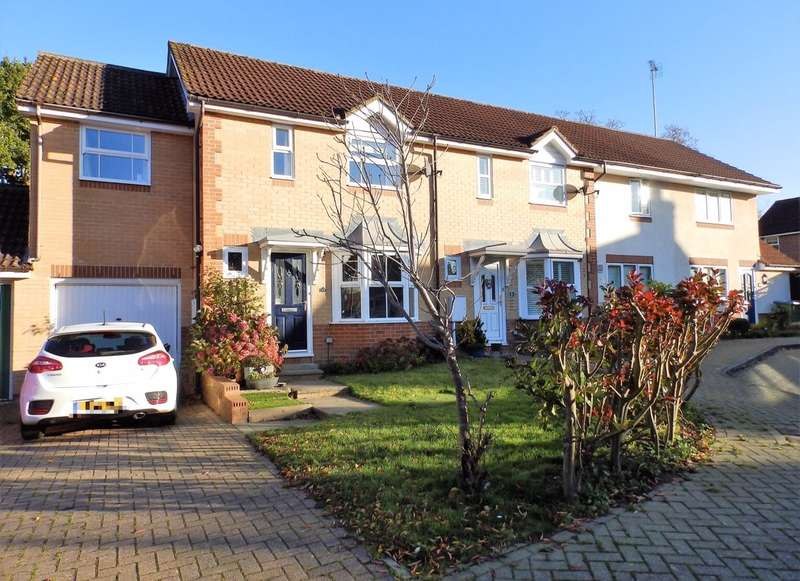 3 Bedrooms End Of Terrace House for sale in Goldfinch Close, Horsham