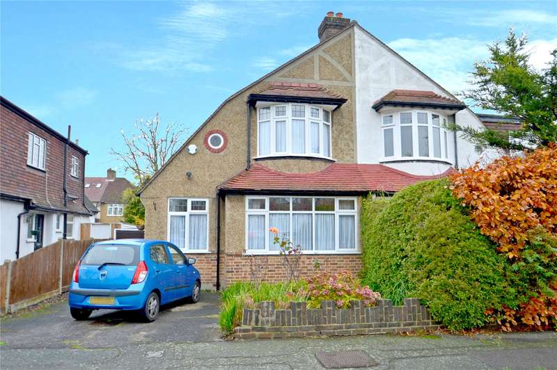 3 Bedrooms Semi Detached House for sale in Stoneleigh Park Avenue, Shirley