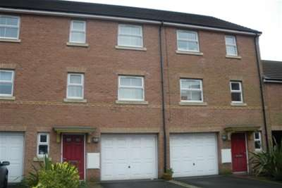 3 Bedrooms House for rent in Teignmouth Close, Liverpool.