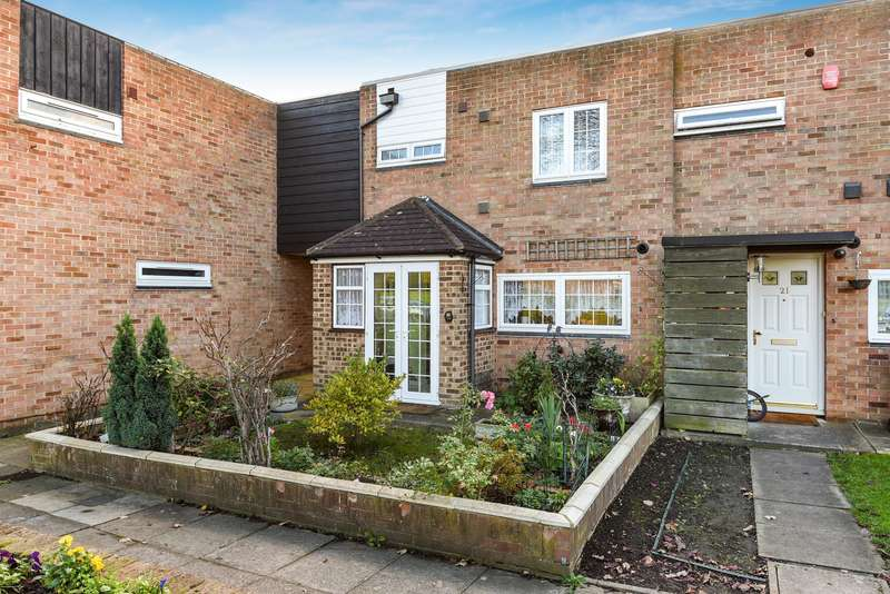 3 Bedrooms End Of Terrace House for sale in Hadfield Road, Stanwell, TW19
