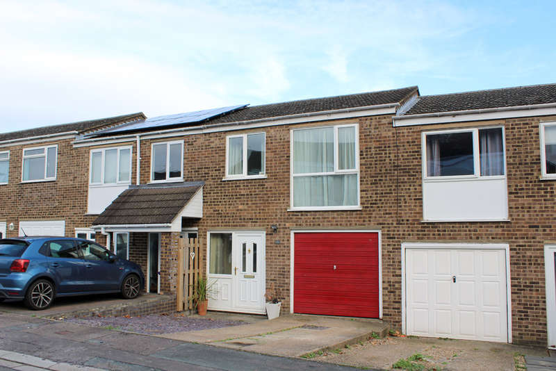 3 Bedrooms Terraced House for sale in Kingston Vale, Royston