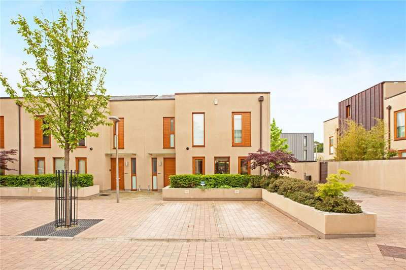 3 Bedrooms Semi Detached House for sale in Cliveden Gages, Taplow, Maidenhead, Buckinghamshire, SL6