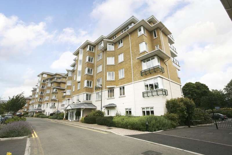 2 Bedrooms Apartment Flat for sale in Birchgrove House, Strand Drive