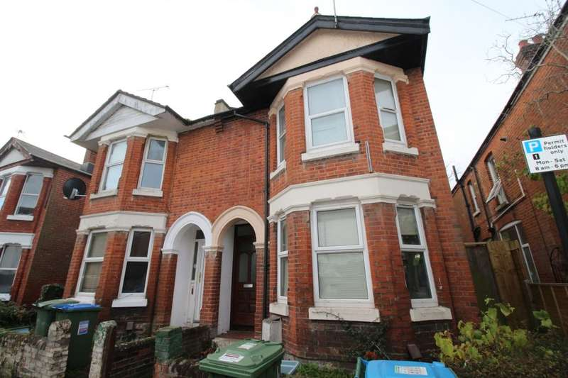 5 Bedrooms Property for rent in Harborough Road, Southampton, SO15