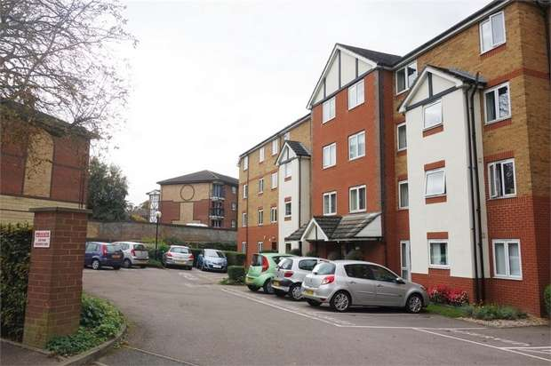 1 Bedroom Flat for sale in Old Bedford Road, Luton, Bedfordshire