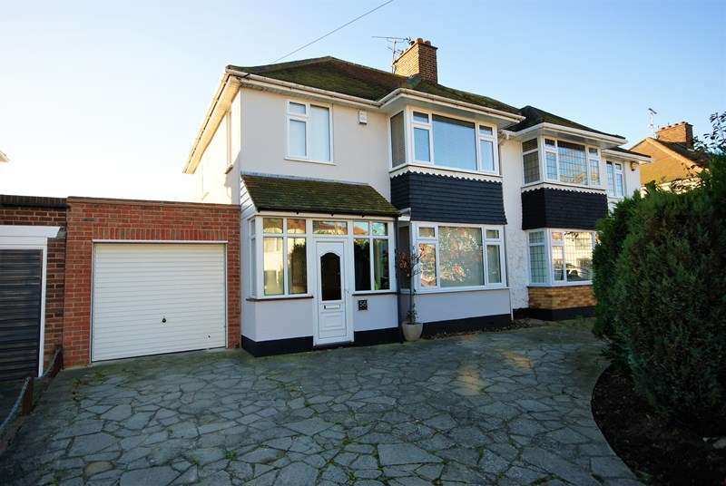 4 Bedrooms Semi Detached House for sale in Ulster Avenue, Shoeburyness, * SOUTH SHOEBURY *