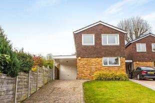 3 Bedrooms Link Detached House for sale in Minster Drive, Croydon
