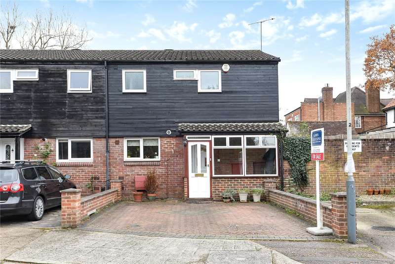 2 Bedrooms Semi Detached House for sale in Mezen Close, Northwood, Middlesex, HA6